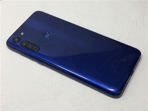 【中古】【安心保証】 SIMフリー Moto G8[64G] ノイエブルー