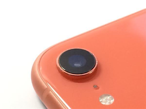 【中古】【安心保証】 iPhoneXR[128GB] SIMロック解除 au コーラル